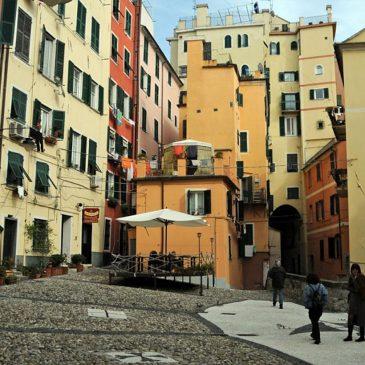 Caruggi di Genova: su e giù per la città