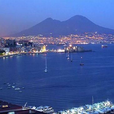 Napoli la città del sole, del mare, della vita.