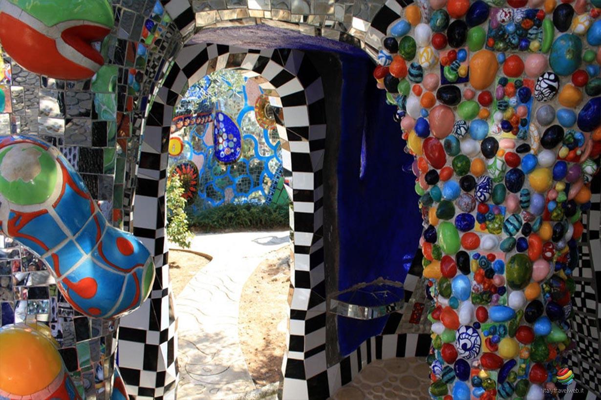 Giardino dei tarocchi capalbio toscana italy travel web - Capalbio giardino dei tarocchi ...