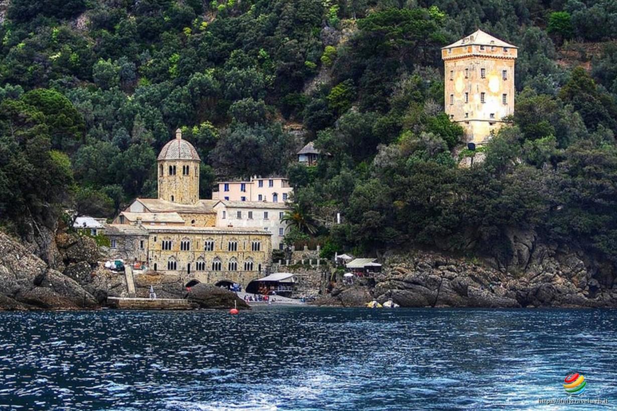 San Fruttuoso di Camogli - Parco terrestre e marino del Monte di Portofino  ~ Italy Travel Web