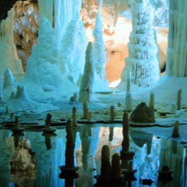 Grotte di Frasassi | Parco regionale della Gola della Rossa e di Frasassi