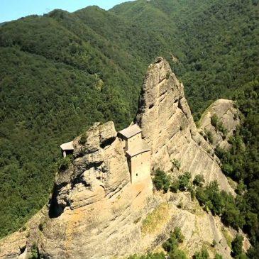 Castello della Pietra – Parco Naturale del Monte Antola